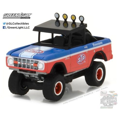 GREENLIGHT All Terrian Series 5 1975 Ford Bronco BAJA (STP) 1:64